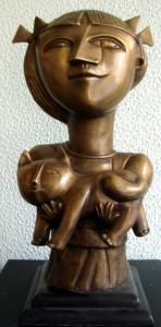 IC-005 - Inos Corradin - Menina com Gato - Escultura em Bronze - 52 cm de Altura