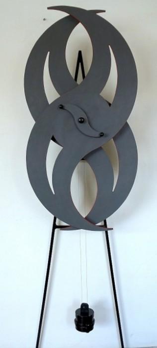 DM-002 - Dorival Maggioni Finotto - SPIN - Escultura Cinética - 190 X 107 cm - Acompanha o Manual de Operação e Instalação