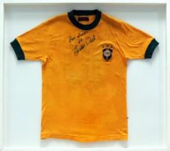 CAMISA-001 - Camisa da Seleção Brasileira da Copa de 1970 - Número 10 - Autografada por Pelé - Marca Athleta - Com moldura medindo 83 X 93 cm